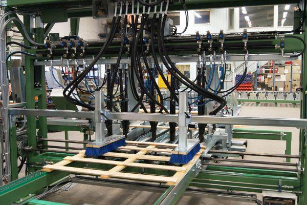 Maszyna montujaca (1)
