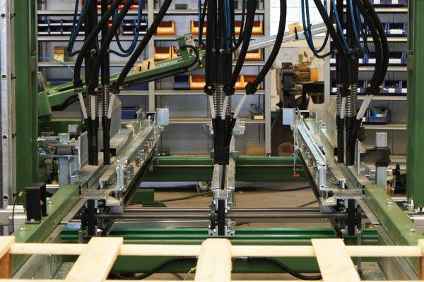 Maszyna montujaca (3)