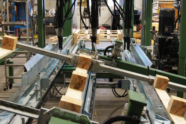 Maszyna montujaca (5)